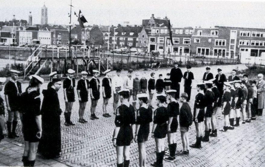 Opgesteld in de Venlose haven, eind jaren vijftig.